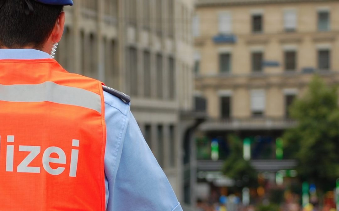 Police in Swiss capital start testing the use of bodycams